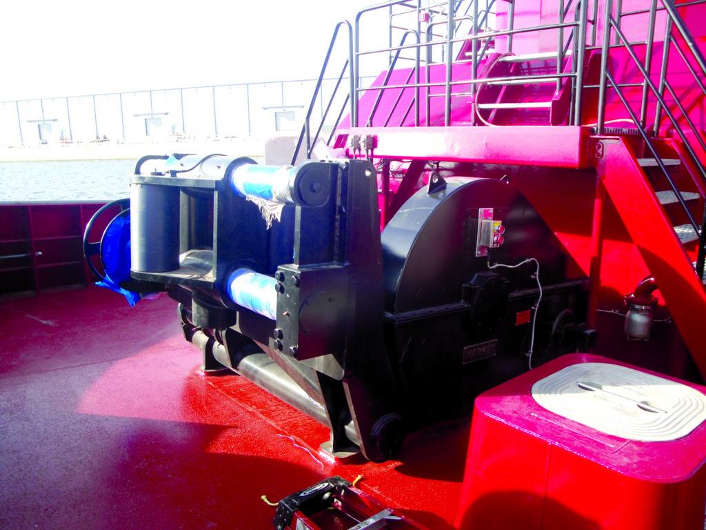 Each tug for E.N. Bisso has a Markey DEPCF-42 HS electric escort forward hawser winch.
